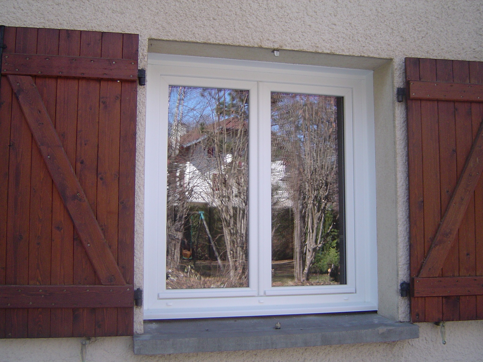 R alisations fen tres portes fen tres porte d 39 entr e for Fenetre pvc coulissante renovation