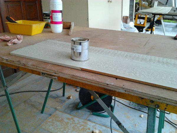 Retouches à la peinture de toutes les coupes du bardage